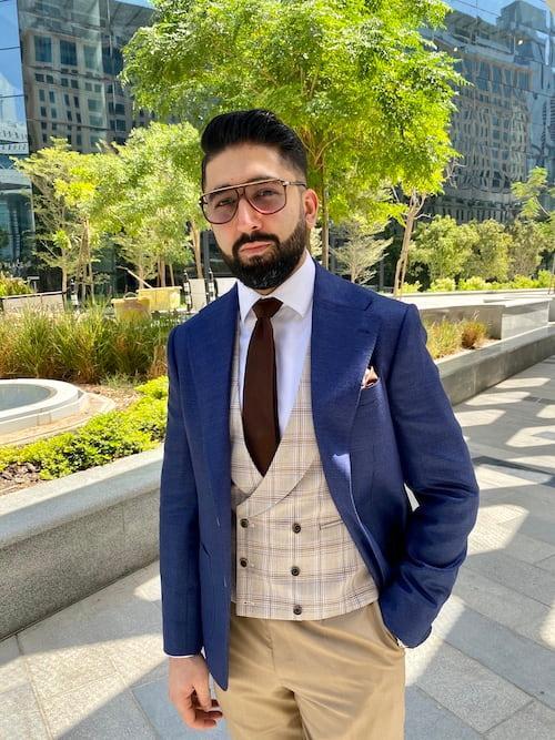 wear navy blazer for interview