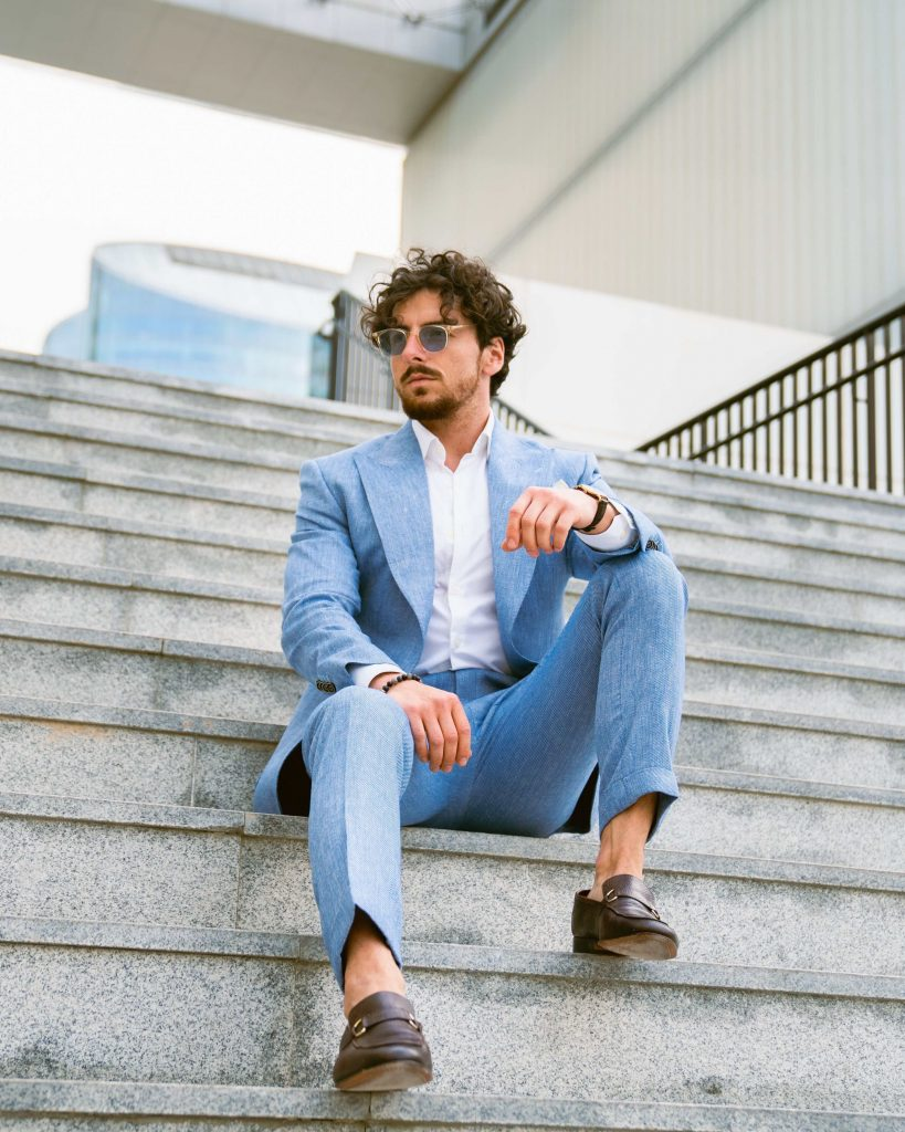 What to Look for In a Linen Suit